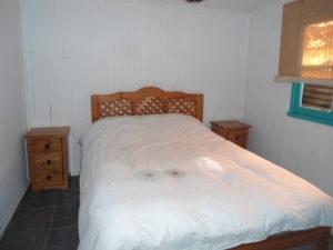 Master bedroom at Cabaña Bosque